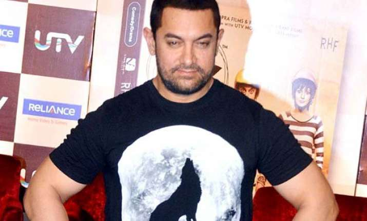 aamir khan s wife kiran rao and mom worried about his