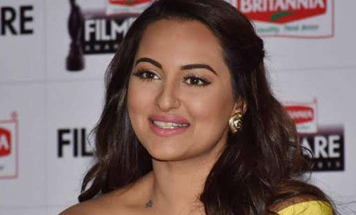 sonakshi sinha wants to work hard filmfare s best actress