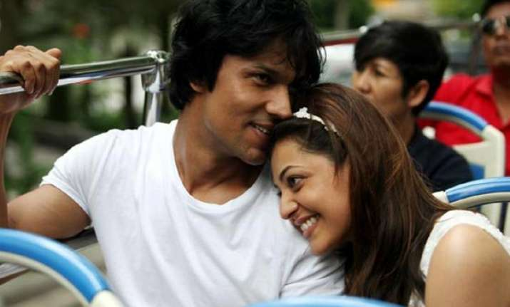 randeep hooda wraps up do lafzo ki kahani shoot with kajal