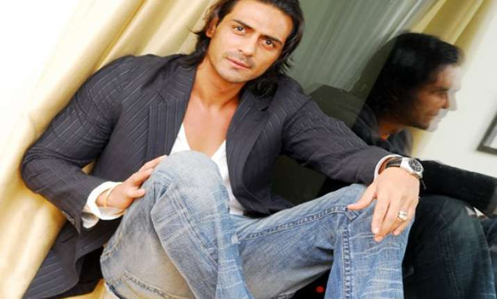 arjun rampal to promote discovery real heroes