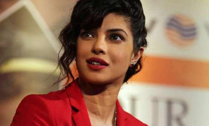 priyanka chopra wants to make small films with new talent