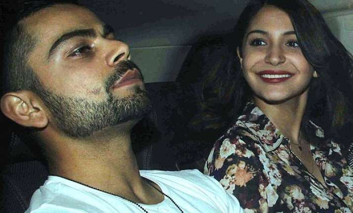 virat kohli keeps anushka sharma happy even while playing