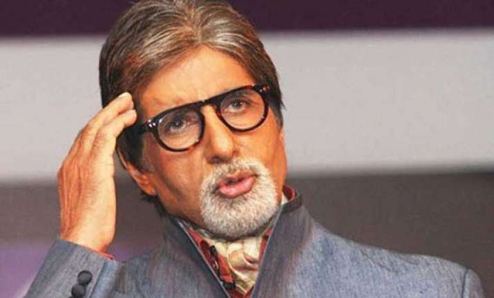 amitabh bachchan urges people to support in flood hit