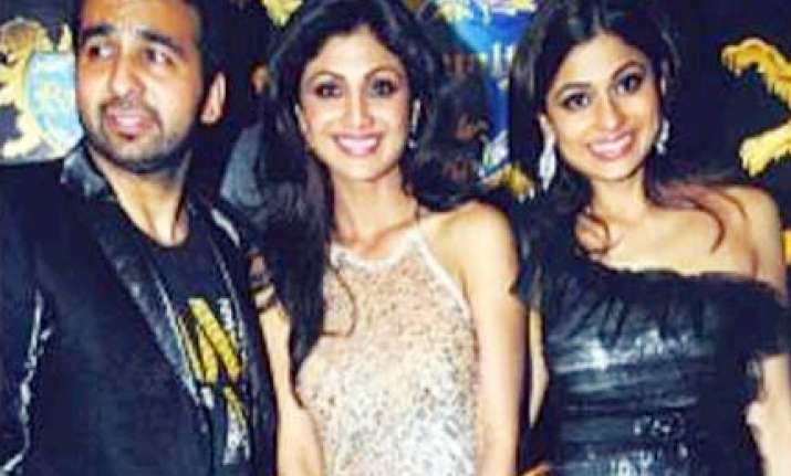 residents up in arms over shilpa s night club