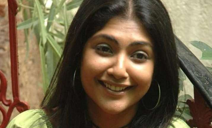 actress kamalinee feels women s role depreciated in telugu