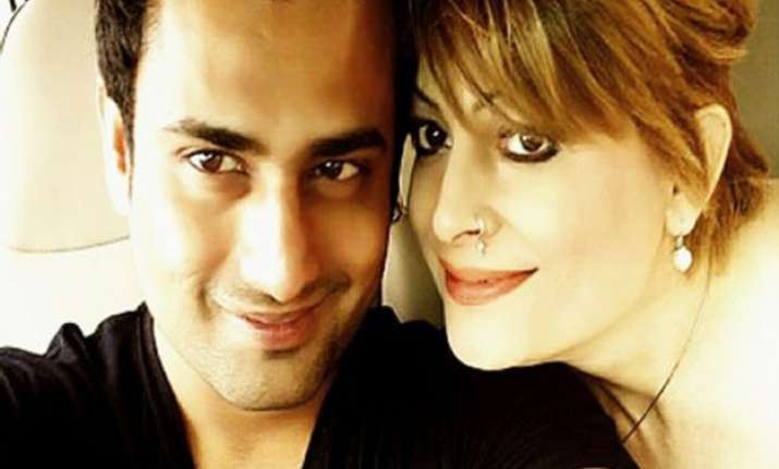 omg bobby darling to tie the knot with bhopal businessman