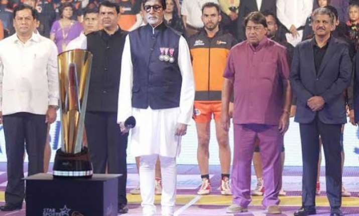 big b aamir attend inaugural pro kabbaddi view pics