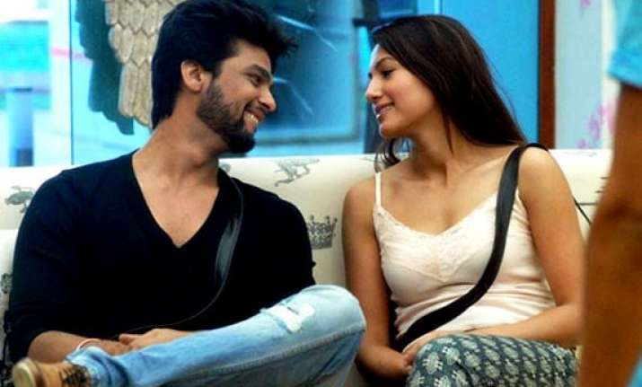 reasons behind gauahar kushal breakup revealed view pics