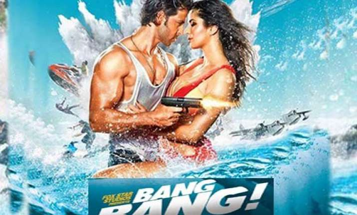 bang bang movie review fall in love with hrithik all over
