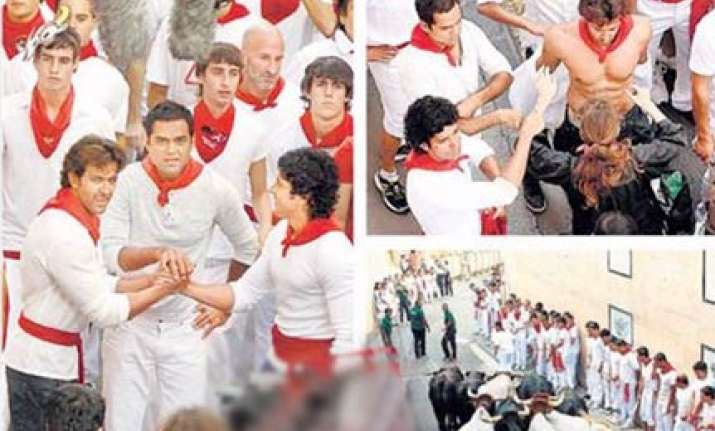 hrithik farhan abhay run with the bulls in spain