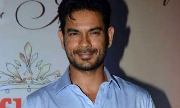 bigg boss 9 keith sequeira to have triple trouble in the
