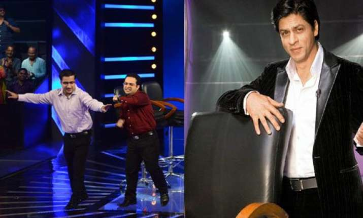 shah rukh surprises kbc jackpot brothers on the sets
