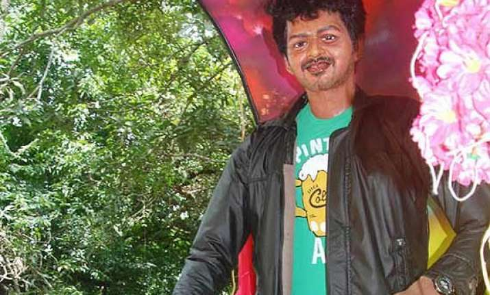 fans unveil tamil actor vijay s statue