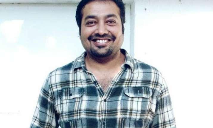 anurag kashyap trolls media with fake injury