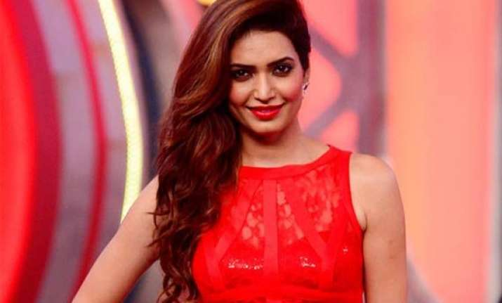 bigg boss 8 karishma tanna proves to be new alia bhatt no