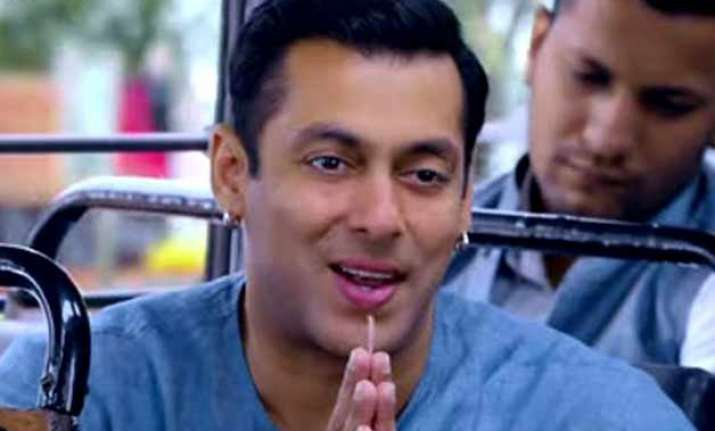 salman khan s bajrangi bhaijaan enters rs 200 crore club