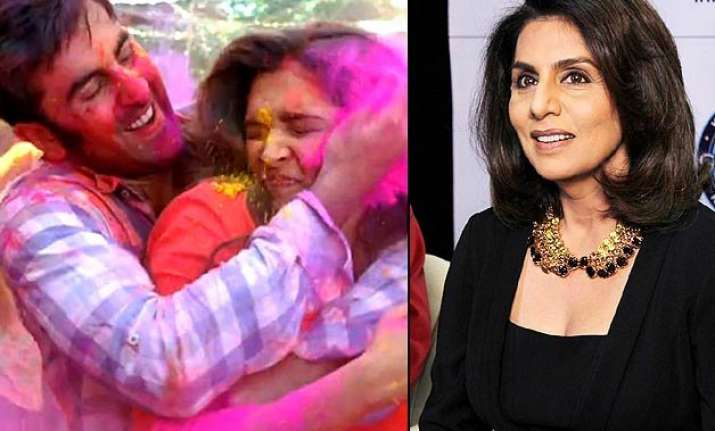 weird neetu singh keeps deepika with ranbir but crops
