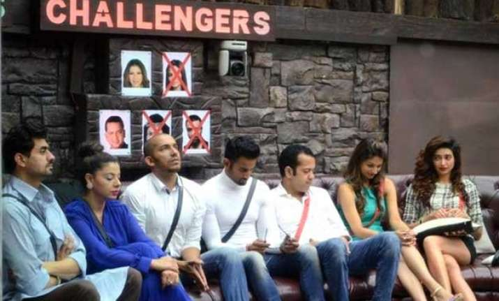 bigg boss 8 halla bol day 16 dimpy sambhavana s dirtiest