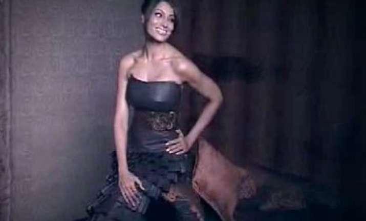 58 kg bipasha wears 50 kg dress