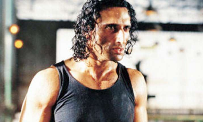 rahul dev bashes up lecturer in gym