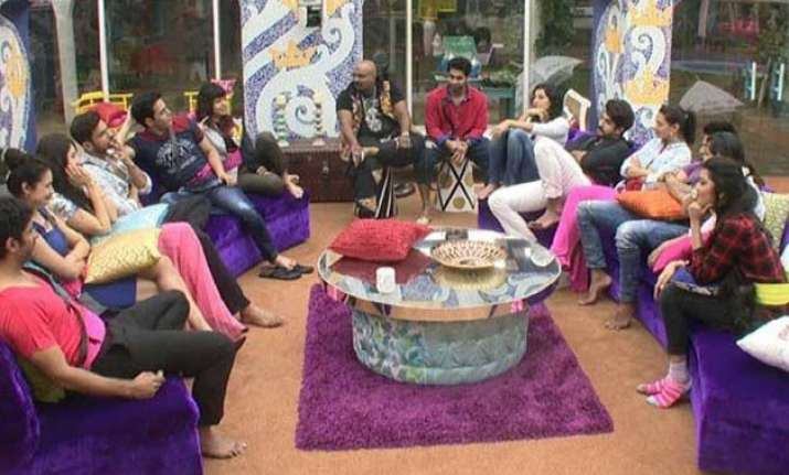 bigg boss 9 four couples will be nominated on day 01 know