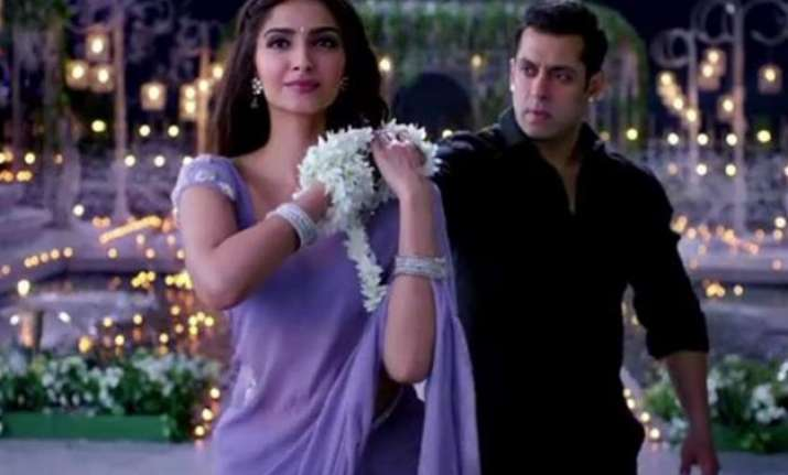 7 000 earthen lamps used for prem ratan dhan payo jalte