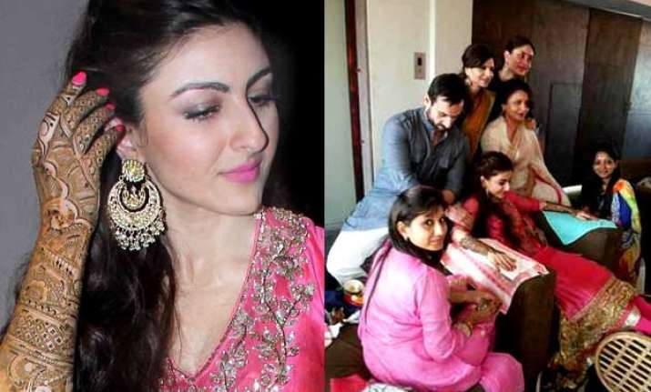 Mehndi Ceremony Of Shilpa Shetty : Soha ali khan's mehendi ceremony: bride along with kareena saif