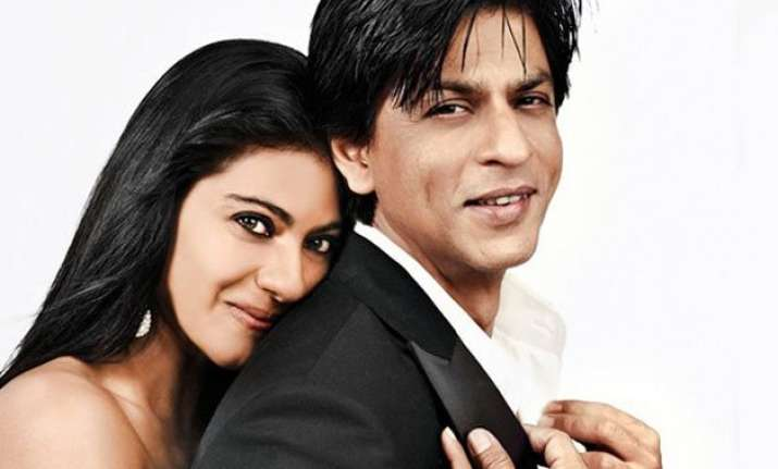 shah rukh and kajol s romantic moment captured on cam by