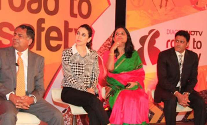 karisma kapoor anil kumble back road to safety campaign