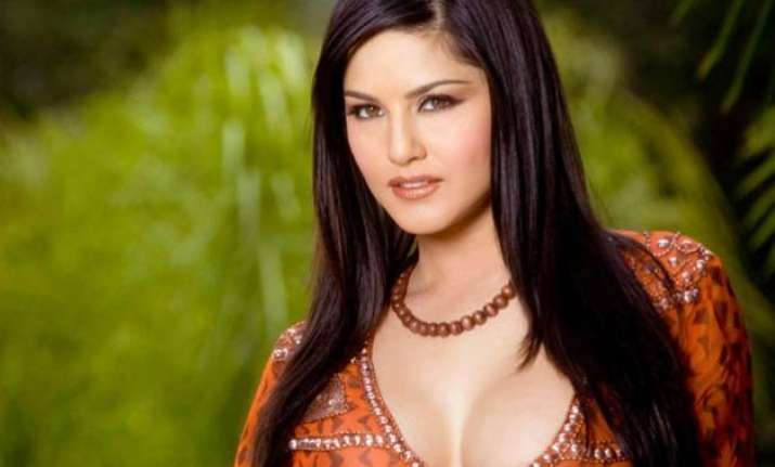 boys weren t interested in me till i was 18 sunny leone