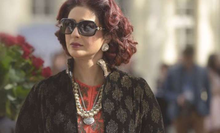 fitoor tabu looks magnificently royal as begum hazrat see