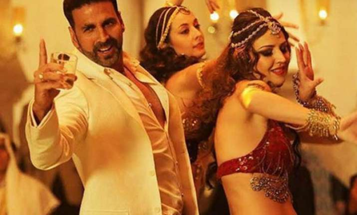 airlift s collections add rs 50 cr to akshay kumar s bank