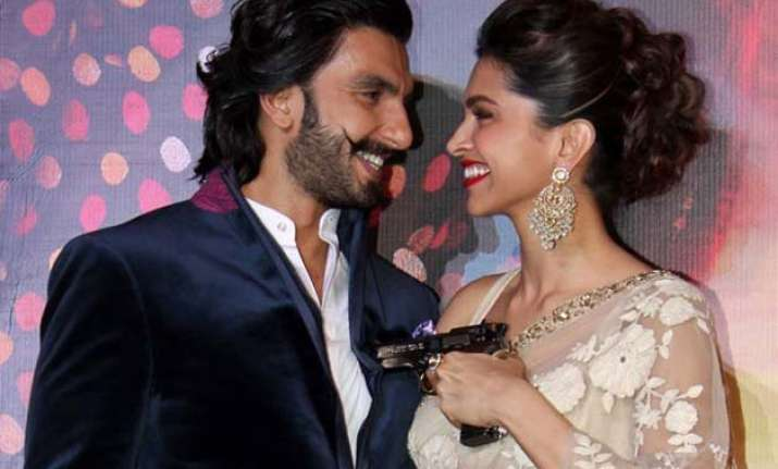 ranveer singh showers praises on girlfriend deepika padukone