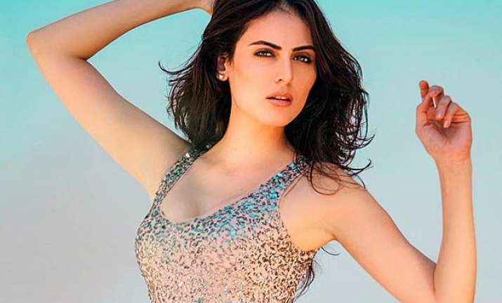 bigg boss 9 contestant no 10 mandana karimi iranian model