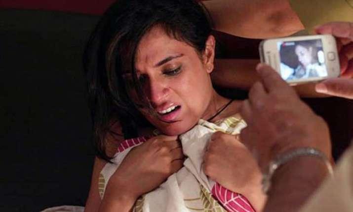 richa chadha s masaan wins critics award at cannes film