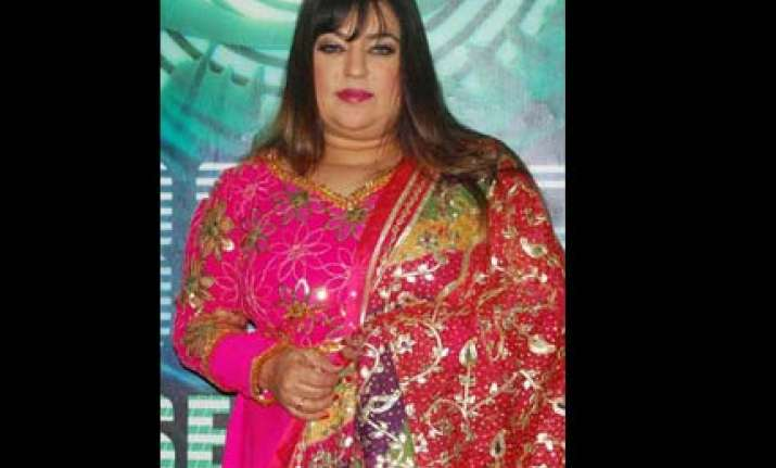 why is dolly bindra foul mouthed