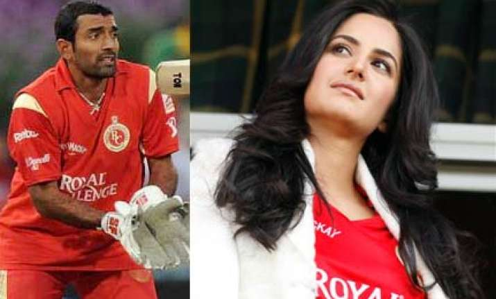 uthappa loves katrina virat fancies deepika