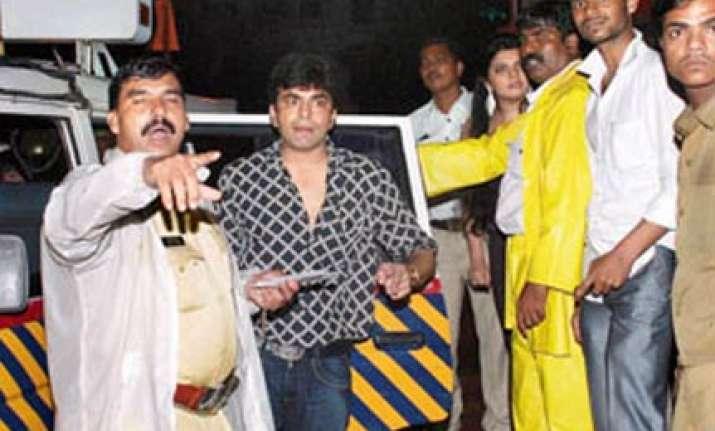raja chaudhary caught in mumbai for drunken driving