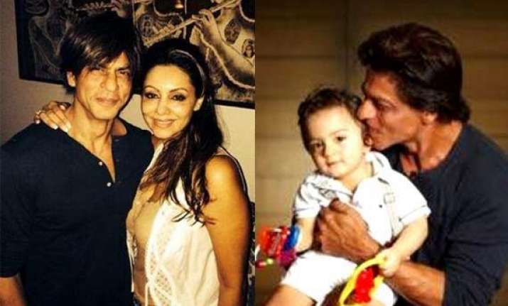 shah rukh totally obsessed with abram gauri khan