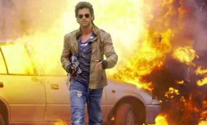 bang bang touches rs. 300 crore landmark