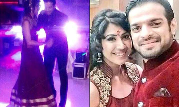 karan patel ankita bhargava s romantic dance at their roka
