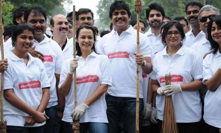 nagarjuna unveils website to promote swachh bharat