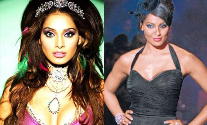 bipasha to play queen s bodyguard in maratha period film