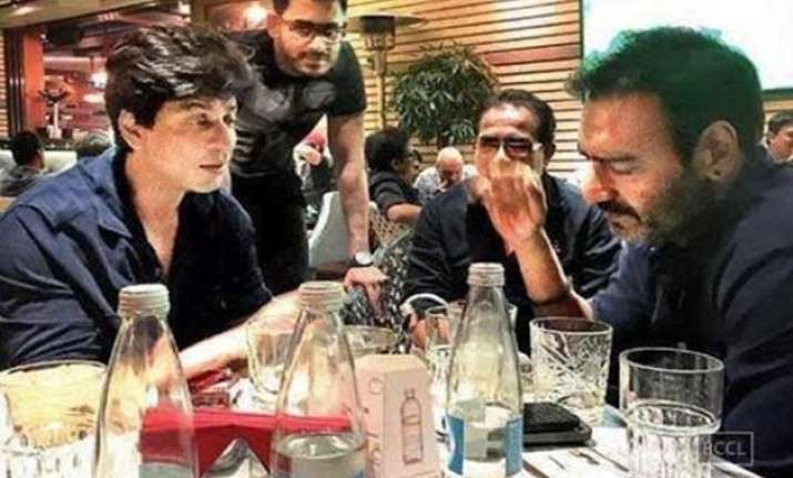 ajay devgn plays down meeting with srk in bulgaria
