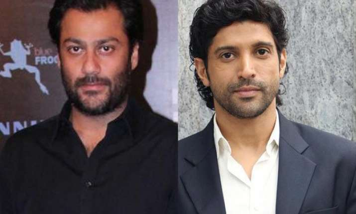 abhishek kapoor opens up on working with farhan akhtar