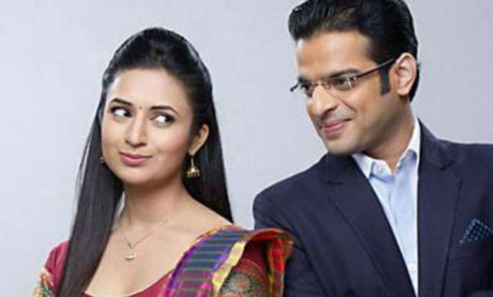 yeh hai mohabbatein rinki poses problems for raman and