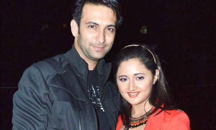 nandish s friend defends him says he wouldn t cheat on