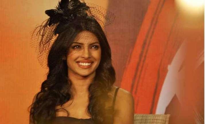 desi girl priyanka chopra expresses desire to work in
