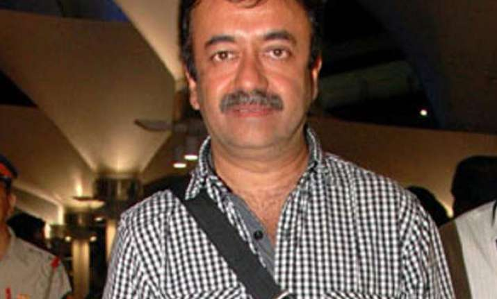 pk director raju hirani injured in an accident fractures