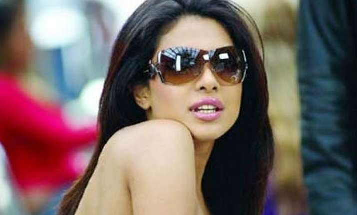 priyanka turns down hollywood offer